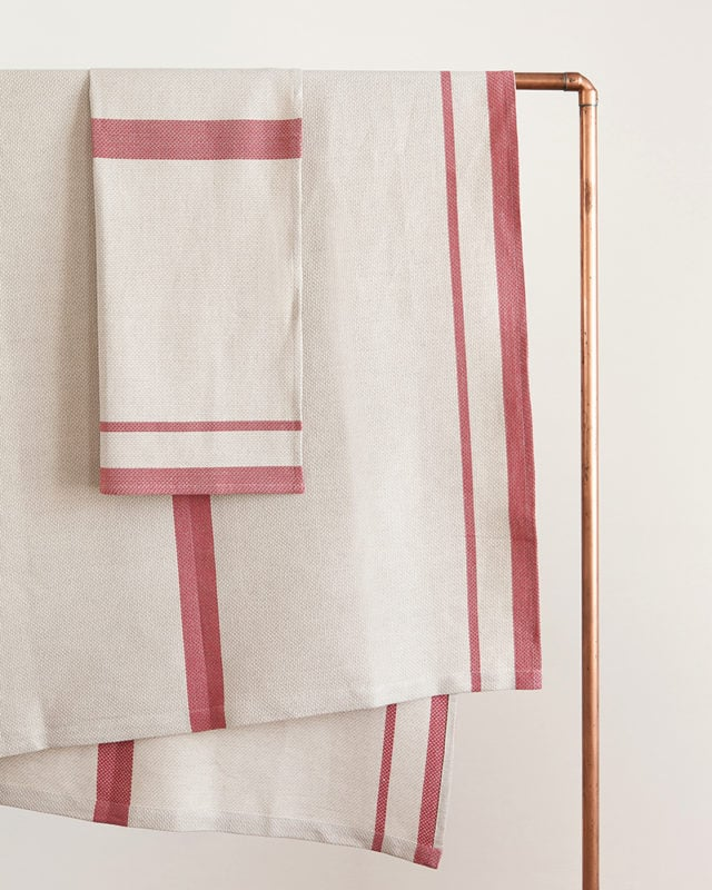 Mungo - Huck - Red on Natural - Hanging
