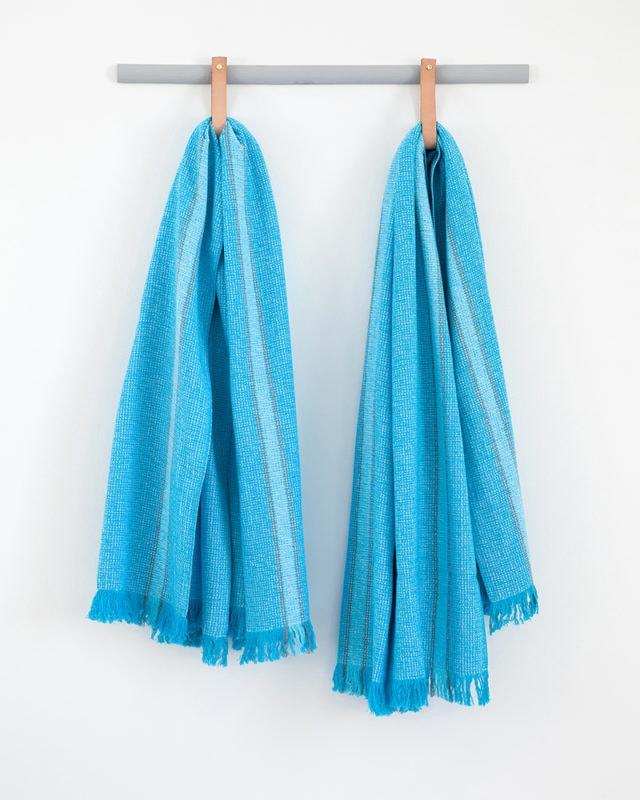 Mungo - Summer Towel - Turquoise - Hanging