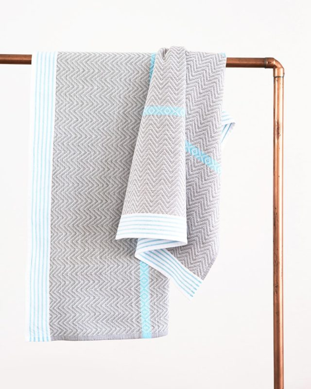 Mungo Aqua Tawulo Bath sheets woven with pure cotton