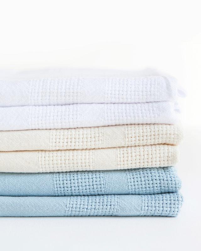 Mungo-Organic-Cotton-Cot-Baby-Blanket-02
