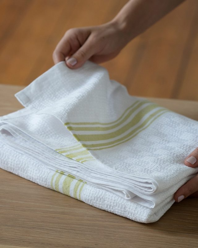 Mungo Willow Weave Towel in the new Citronelle colourway, woven at the Mungo mill in Plettenberg Bay, South Africa.