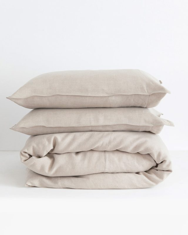 Crisp 100% linen pillow cases and duvet cover in natural flax woven from Italian 100% linen at the Mungo Mill