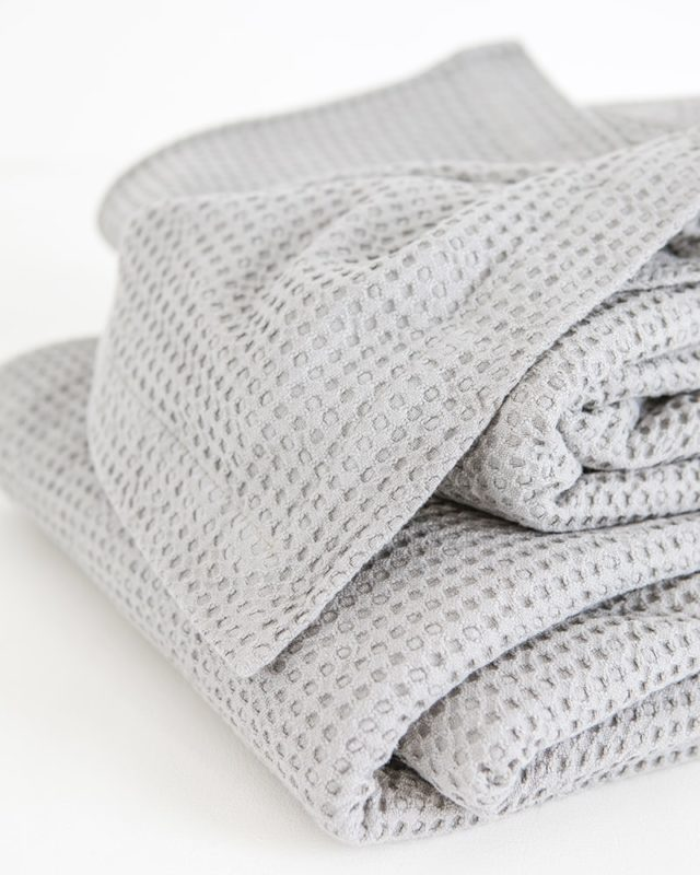 Mungo Cobble Weave bed cover in Moon Silver showing detail intricate weave