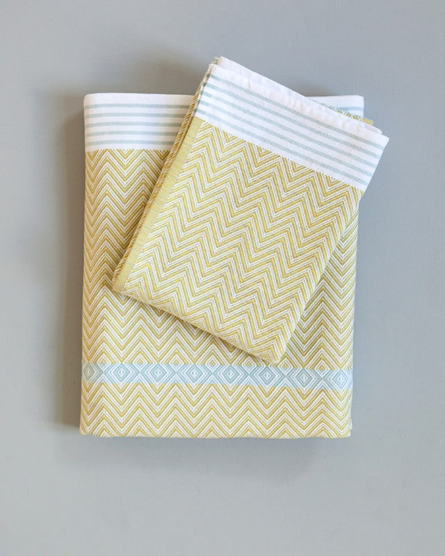 Mungo Tawulo - flat weave towels that are quick-drying, compact and absorbent. Woven in South Africa