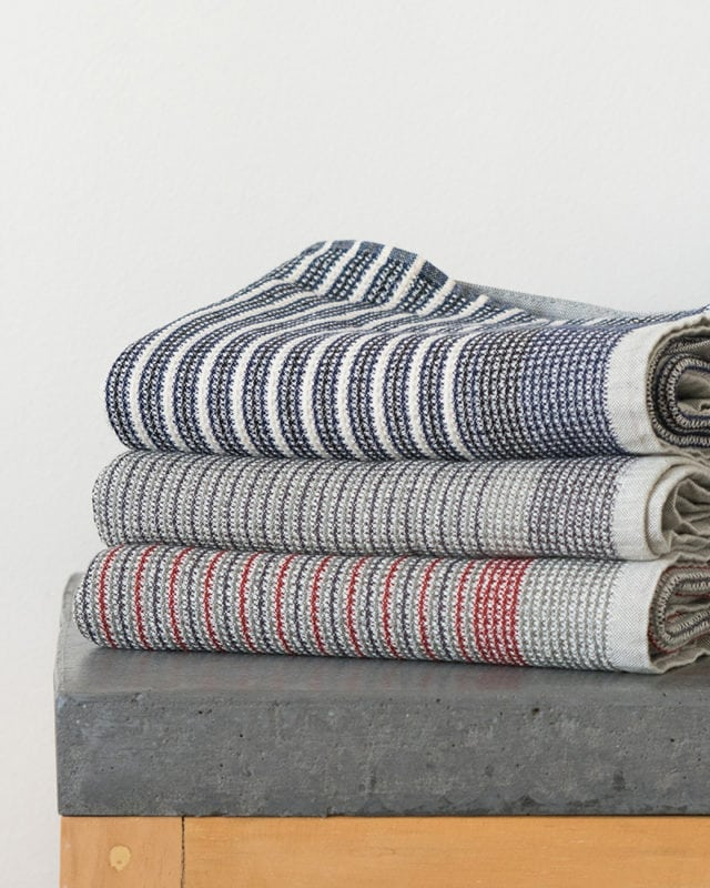 Mungo Man Cloth. Adjustable kitchen cloth/apron, woven from cotton. Made in South Africa