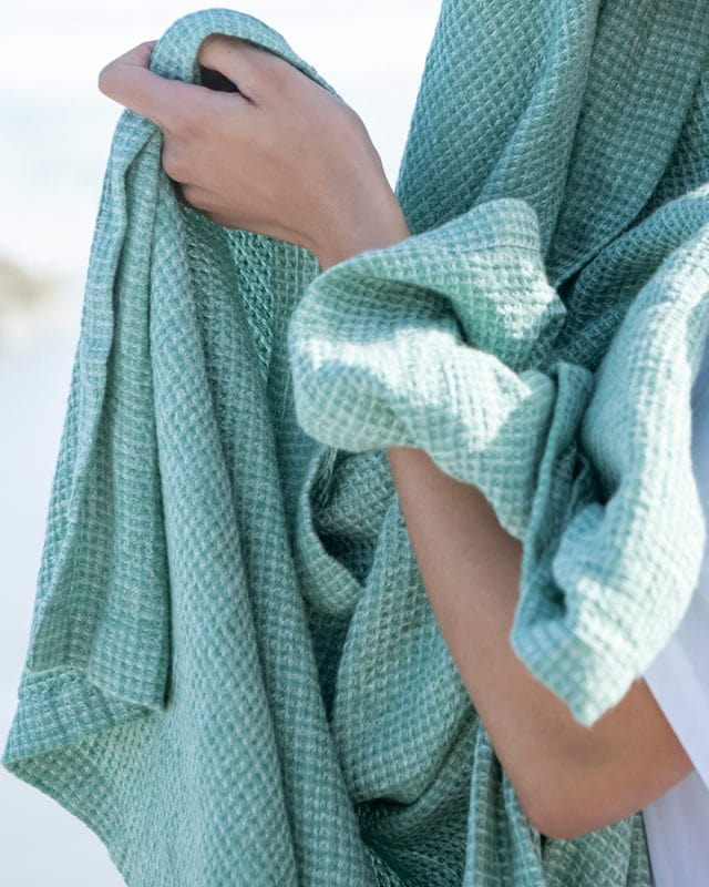 Mungo Dhow Towel in Seafoam colourway. Pure Italian-spun linen, designed & woven in South Africa at the Mungo Mill. Available online with flat-rate shipping